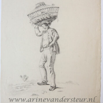 [Original drawing] Man carrying a basket (man draagt een mand), ca 1850-1900.